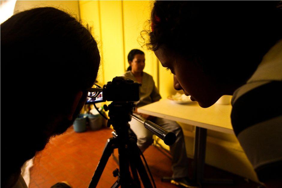 """Bastidores do filme """"Menina"""", de Amanda Duarte e Maysa Santos. Foto: Itawi Albuquerque."""